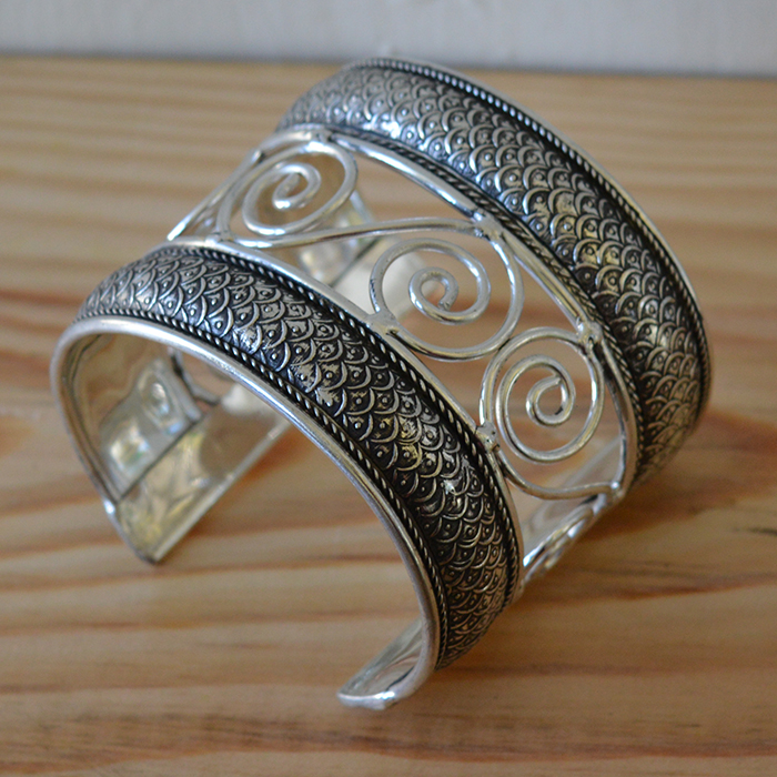 Silver plated plait cuff JCspp1